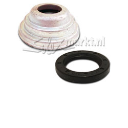 Cover unit including Oil seal Clutch